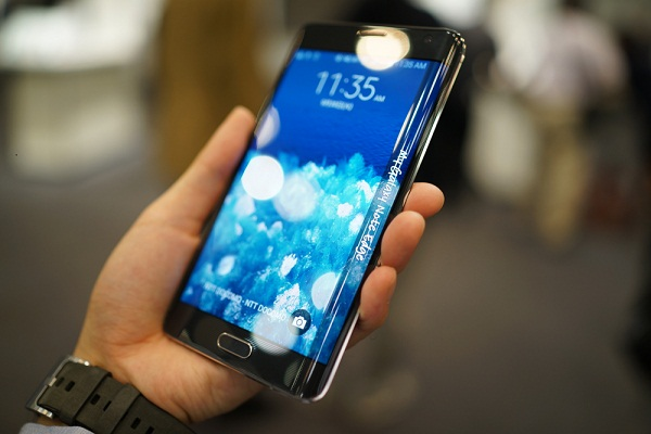 Samsung Galaxy Note Edge Docomo nổi bật với thiết kế đẹp, màn hình độc đáo, hiệu năng xuất sắc