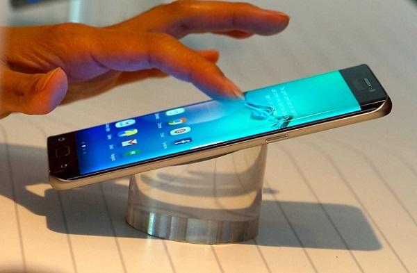Samsung Galaxy S6 Edge Plus được trang bị vi xử lý 8 nhân mạnh mẽ