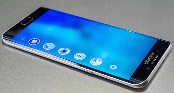 Người dùng có thể chọn tới 5 ứng dụng thú vị trên Galaxy S6 Edge Plus