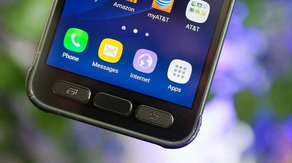 Samsung Galaxy S7 Active được trang bị cảm biến vân tay ở nút Home