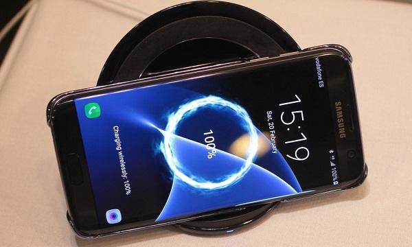 Samsung Galaxy S7 cũ  được trang bị công nghệ sạc nhanh cao cấp