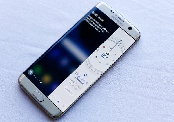 Màn hình trên Samsung Galaxy S7 Edge 2 SIM Dual có độ phân giải 2K