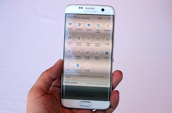 Màn hình Samsung Galaxy S7 Edge cũ cho độ phân giải 2K