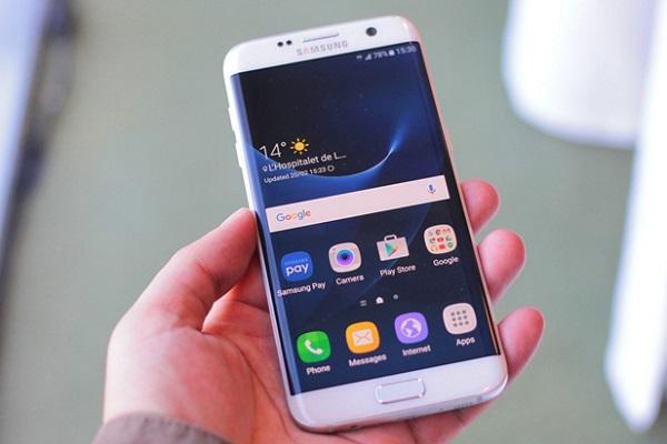 Samsung Galaxy S7 Edge cũ vẫn sở hữu thiết kế cong độc đáo