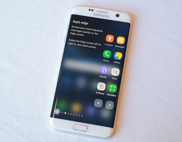 Nhờ công nghệ tấm nền Super AMOLED Samsung Galaxy S7 Edge cho chất lượng hiển thị sắc nét