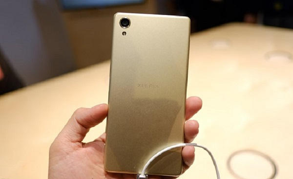 Sony Xperia X  vẫn có thiết kế tương tự ngôn ngữ OmniBalance