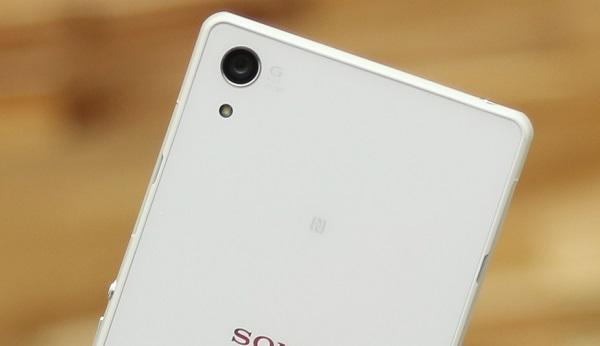 Camera trên Sony Xperia Z2 cũ sử dụng ổng kính G, góc rộng 27mm