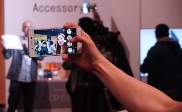 Chụp ảnh Selfie đỉnh cao trên Sony Xperia Z4 Nhật với camera trước 5.1 MP