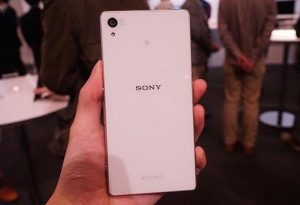 Sony Xperia Z4 Au có thiết kế tương tự Xperia Z3 Au