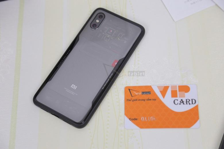 Xiaomi Mi 8 EE cảm biến vân tay