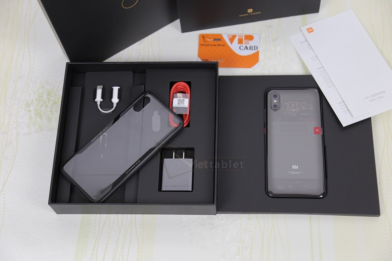 phụ kiện Xiaomi Mi 8 Explorer Edition