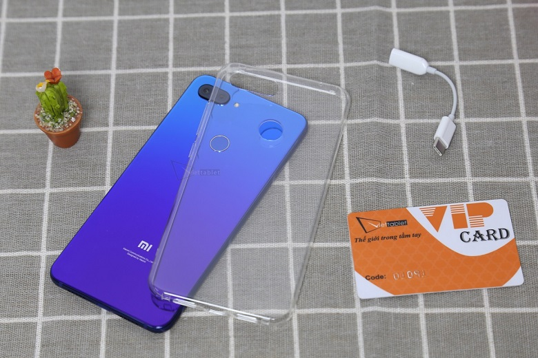 Xiaomi Mi 8 Lite có sự pha trộn nhiều đặc điểm được giới trẻ yêu thích