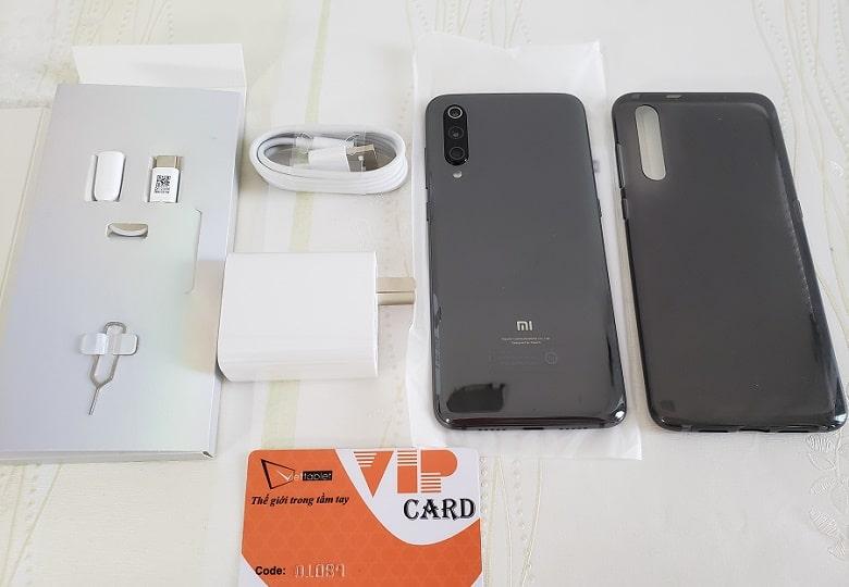 Xiaomi Mi9 RAM xách tay được mở hộp tại Viettablet
