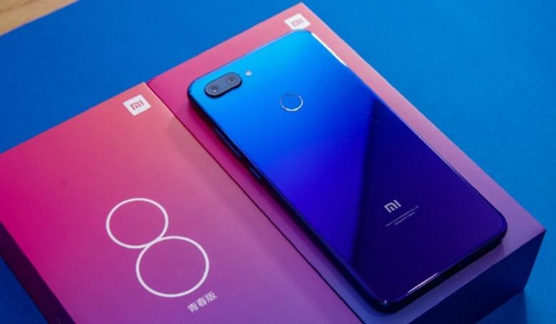Đánh giá thiết kế của Xiaomi Mi 8 Lite