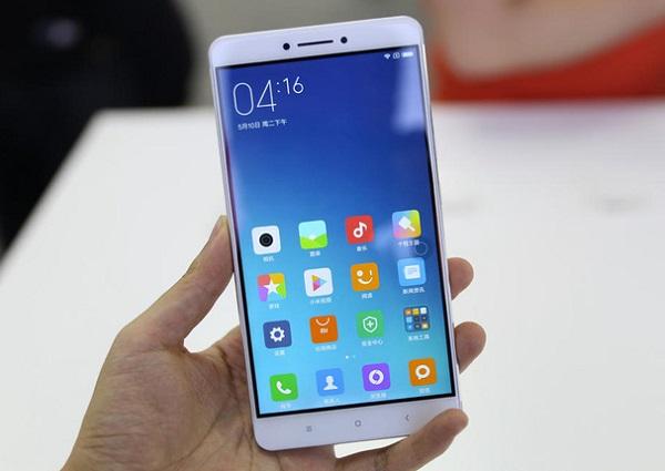 Xiaomi mi max có màn hình rất lớn