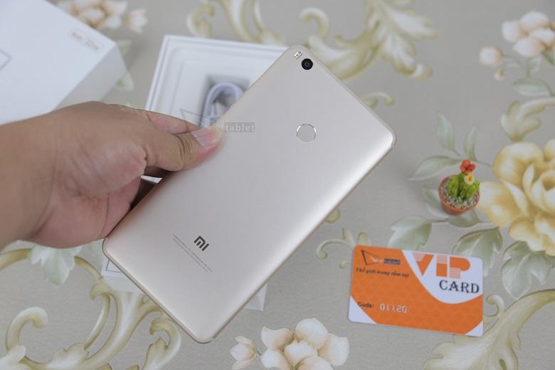 Pin Xiaomi Mi Max 2 có dung lượng 5300 mAh