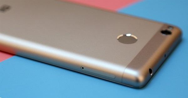 Cảm biến trên Xiaomi Redmi 3S được đặt ở mặt sau
