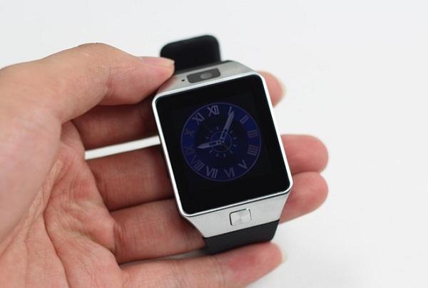 Đánh giá InWatch C - Chiếc smartphone trên cổ tay