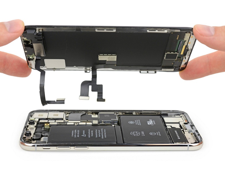iPhone lost power, collapsed power due to collision, falling into water.