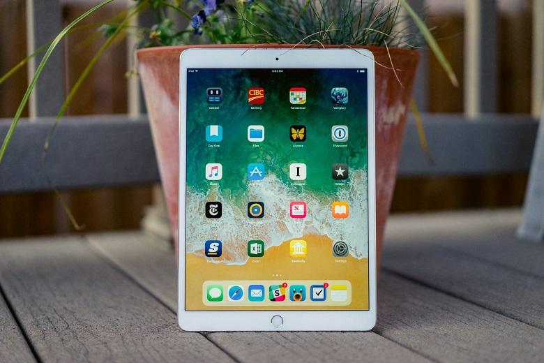 iPad Pro 10.5 cũ có màn hình lớn 10.5 inch