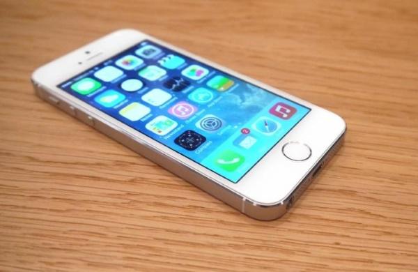 iPhone 5S Lock có thiết kế và cấu hình hoàn toàn giống bản quốc tế
