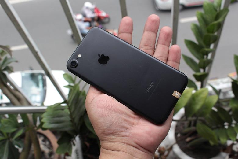 đánh giá thiết kế iPhone 7 trôi bảo hành