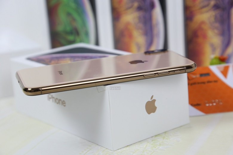iPhone XS cũ giúp khách hàng tiết kiệm được một khoản chi phí