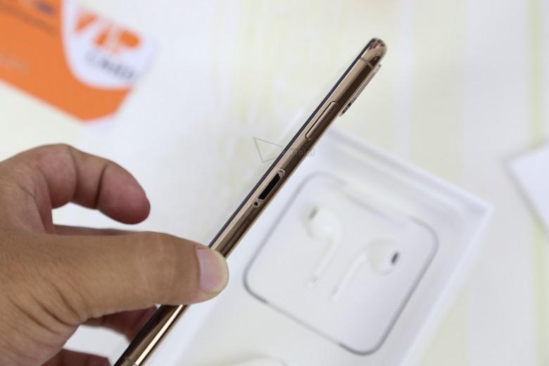 iPhone XS Max Lock có thiết kế cứng cáp