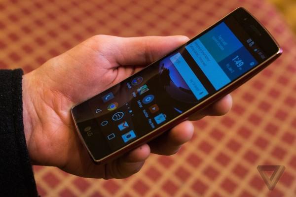 LG G Flex 2 thiết kế ấn tượng