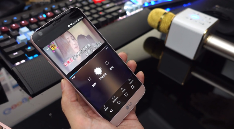 Micro Bluetooth Karaoke Tích Hợp Loa TUXUN Q7 3