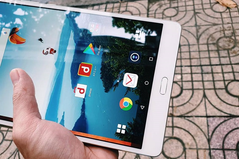 Huawei MediaPad M3 8.4 cho góc nhìn rộng