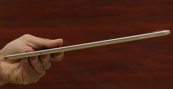 Với thiết kế mỏng nhẹ hơn nên iPad Air 2 cũ mang đến cảm giác khá dễ chịu khi cằm tay và khi bị mỏi khi sử dụng trong thời gian dài.