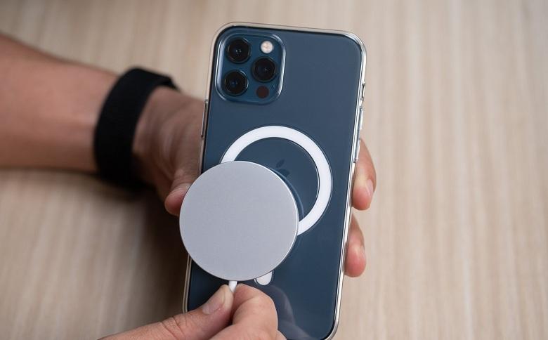 sạc không dây cho iPhone 12 Pro