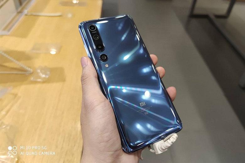 So sánh Xiaomi Mi 10 với Xiaomi Mi 10 Pro