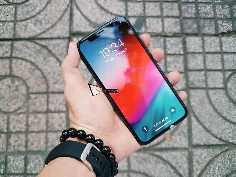 màn hình iPhone X