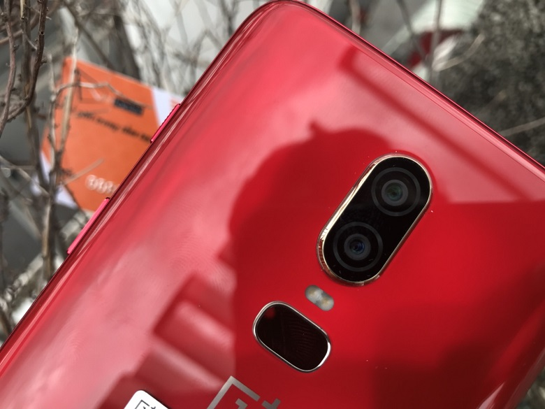 oneplus 6 màu đỏ camera