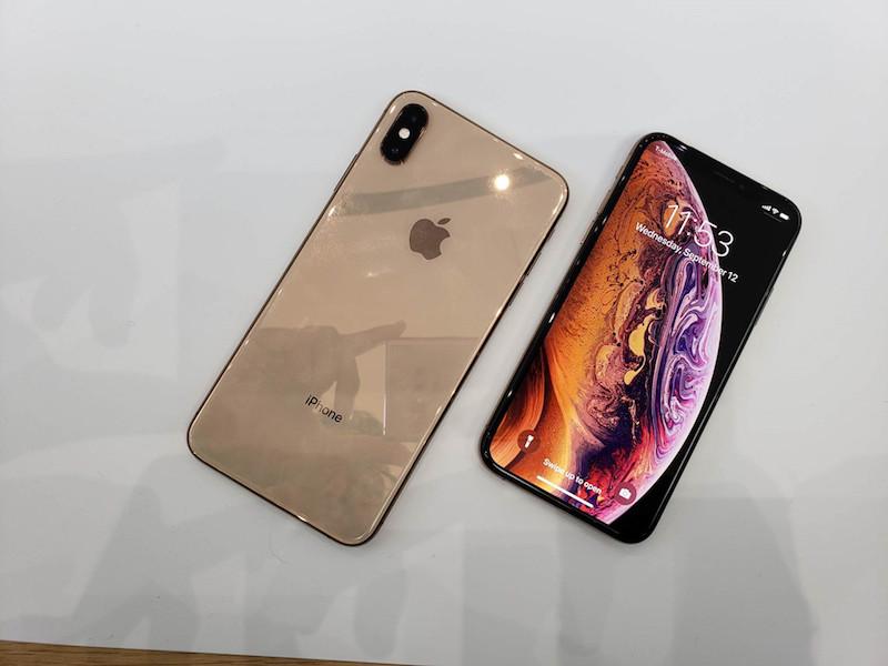 mặt trước và sau iphone 2018