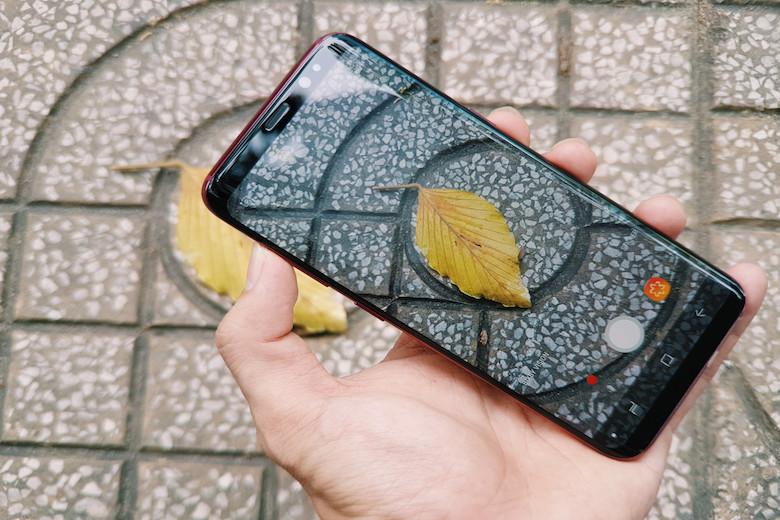 camera sắc nét và góc rộng của samsung galaxy s8 vang đỏ