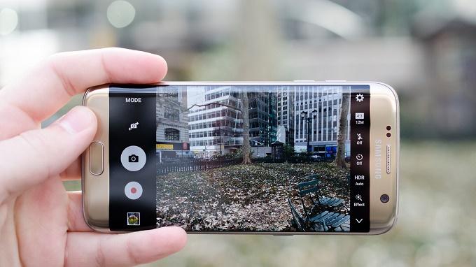 S7 Edge camera