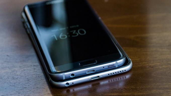 iphone 6s plus và s7 edge