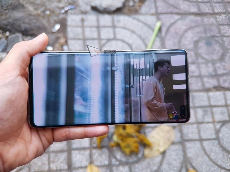 Hình ảnh hiển thị của Samsung Galaxy S10 Plus