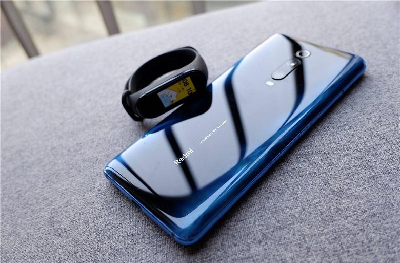 Xiaomi Mi Band 4 đọ dáng cùng Redmi K20 Pro