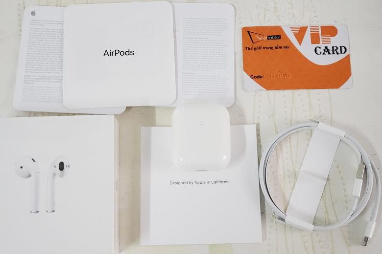 Đây là toàn bộ phụ kiện kèm theo của tai nghe AirPods 2