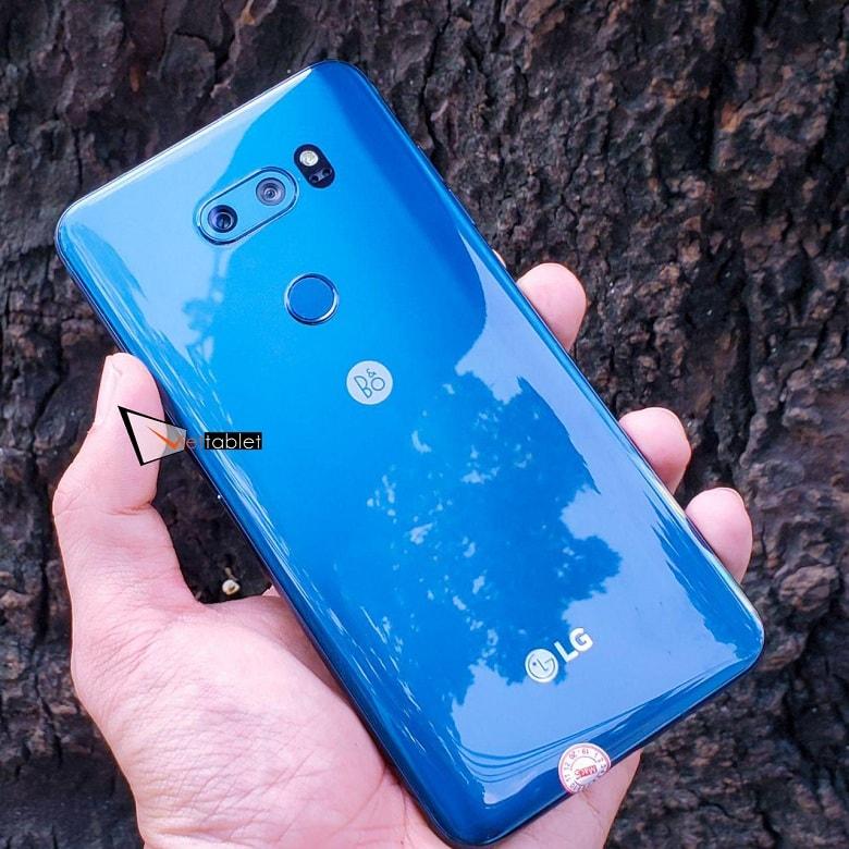thiết kế LG V30