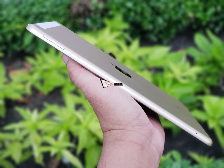 cạnh bên của iPad 9.7 inch 32GB (2017) Gen 5