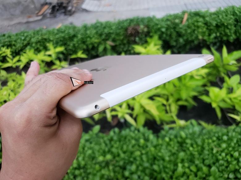 cạnh trên của iPad 9.7 inch 32GB (2017) Gen 5