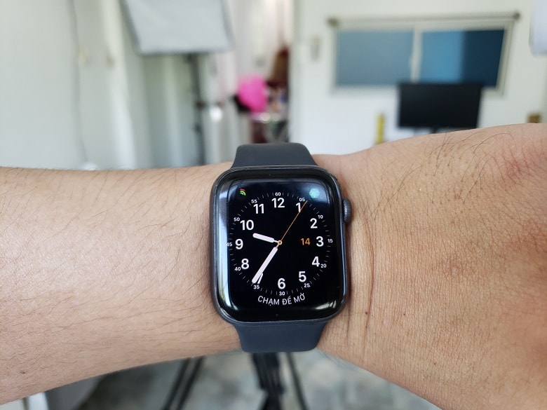 apple-watch-series-4-cu-gia-re-viettablet