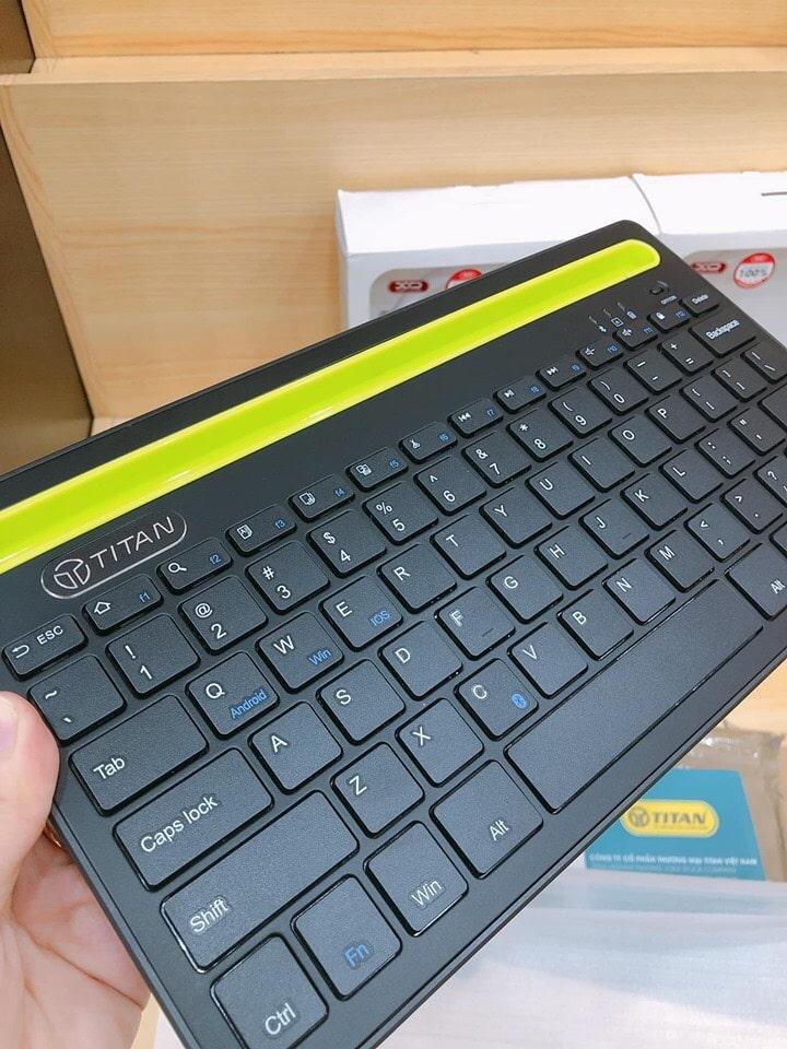 cạnh trái bàn phím không dây TITAN-KB02