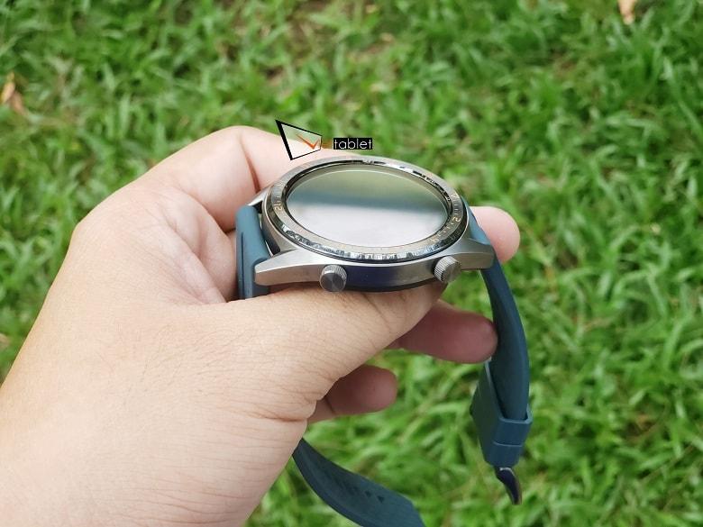 cạnh phải Huawei Watch GT