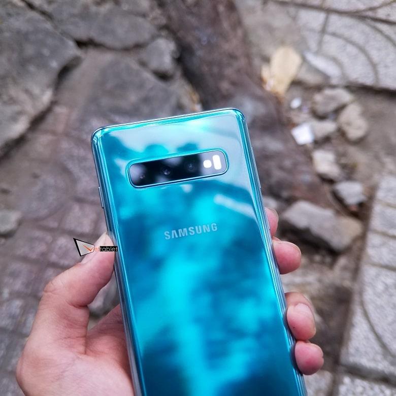 Thiết kế Samsung Galaxy S10